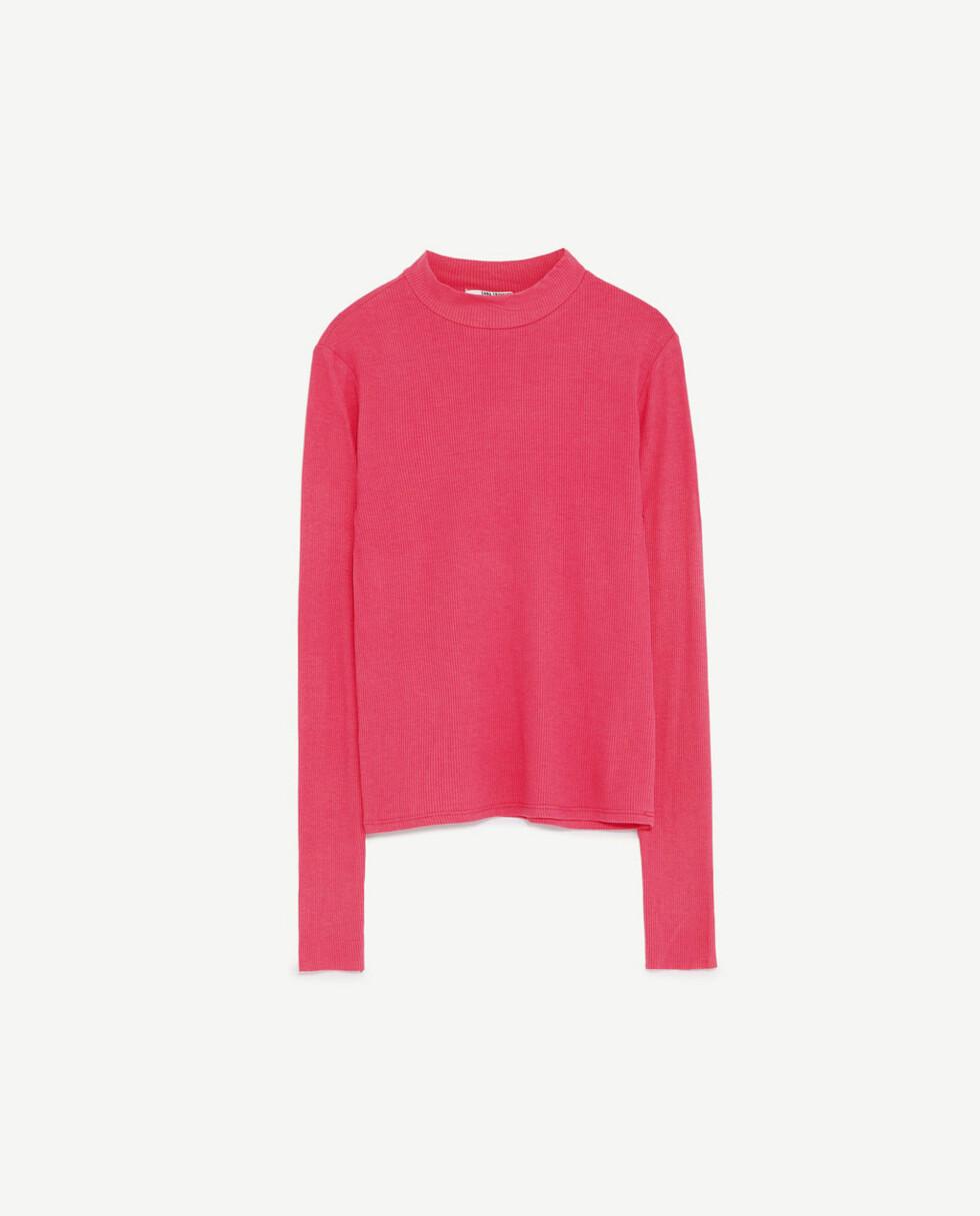 Genser fra Zara | kr 79 | http://www.zara.com/no/no/dame/t-skjorter/se-alle/ribbestrikket-t-skjorte-med-h%C3%B8y-hals-c719014p4380514.html