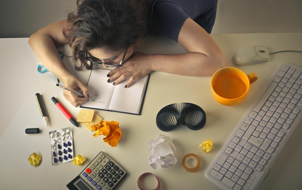 BIVIRKNINGER: Selv om disse legemidlene kan øke konsentrasjonen og arbeidskapasiteten, er det ikke dette de er ment til, og det følger alltid med bivirkninger. Foto: Shutterstock / Ollyy