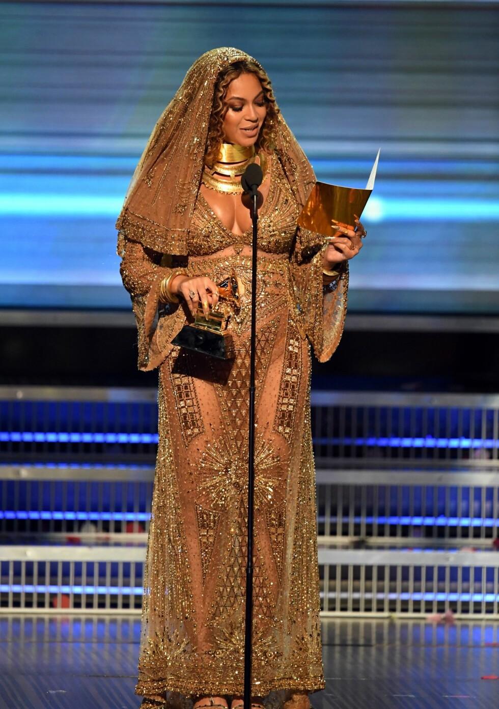 GRAMMY AWARDS: Beyonce i spesialdesignet Peter Dundas-kjole Foto: AFP