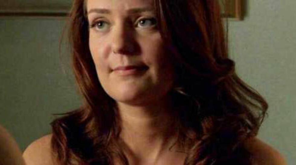 VOKSEN: Hanna er i dag 32 år og jobber fortsatt som skuespiller. Her i en scene fra tv-serien Masters of Sex.  Foto: Screenshot: Masters of sex