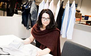 Silvia Filip Endresen lager herreskjorter for norske mannekropper