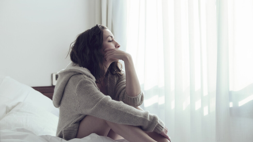 SMERTER VED SAMLEIE: Svært mange kvinner sliter med smerter i underlivet, og mange kan ikke ha sex i det hele tatt fordi det er for sårt.  Foto: Shutterstock / Connor Evans