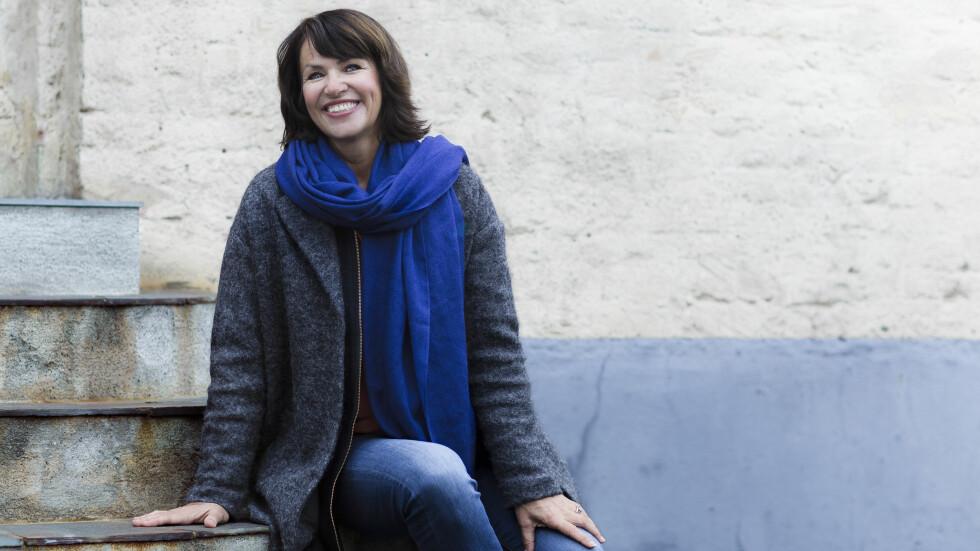 UTBRENT: Kristin Blaker (56) møtte veggen for 17 år siden. Etter dette har hun tatt to ulike coachutdannelser for å hjelpe andre med blant annet stress. Foto: Astrid Waller