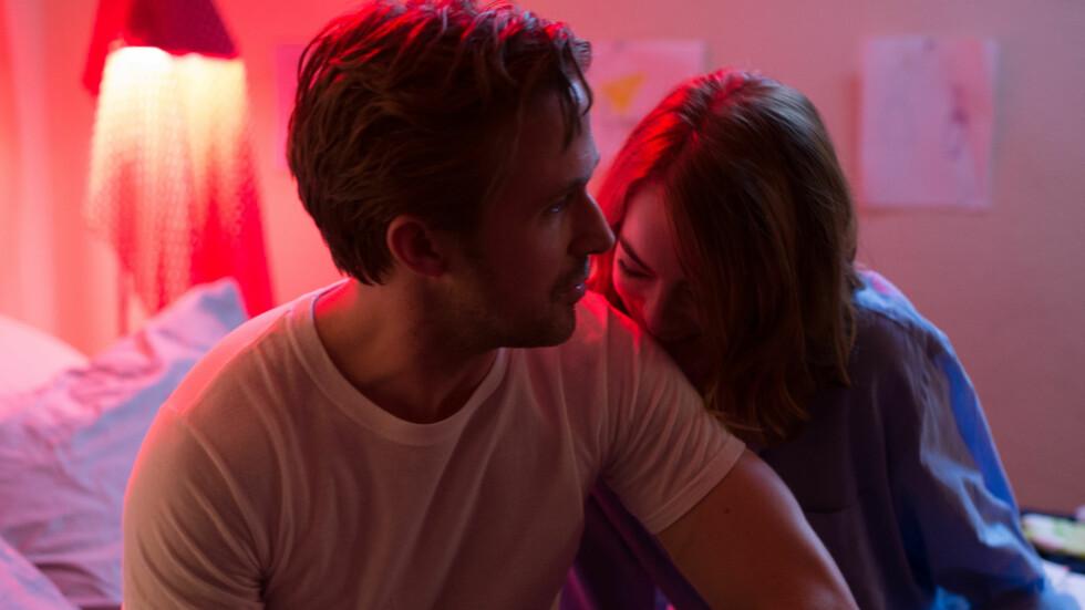 LA LA LAND: Ifølge KK.no-redaksjonen er det Ryan Gosling og Emma Stone som bærer filmen. Foto: NTB Scanpix