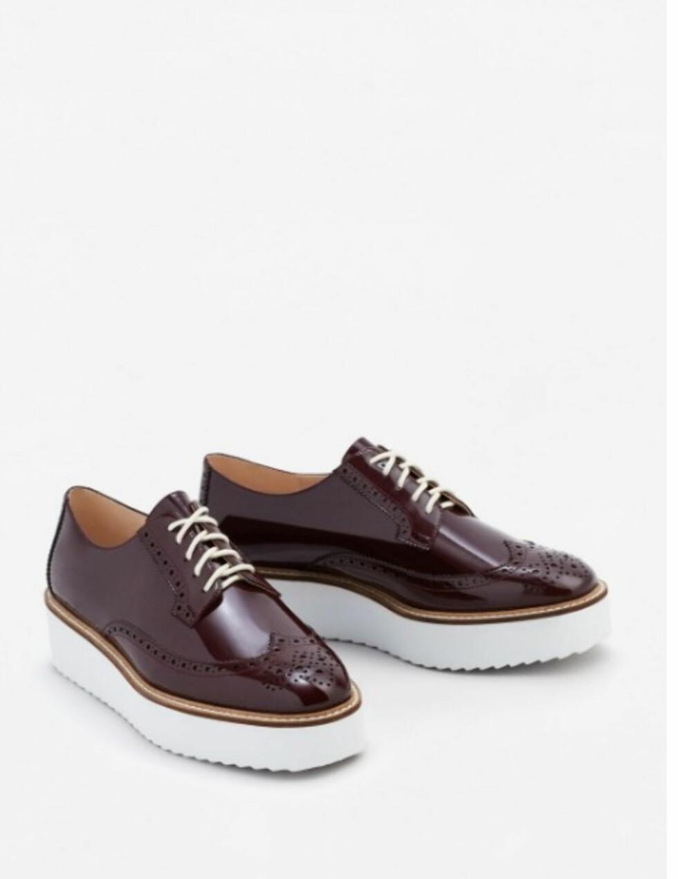 <strong>Sko fra Mango   kr 349   http:</strong>//shop.mango.com/NO-en/p1/woman/accessories/shoes/flat-shoes/patent-effect-platform-blucher?id=83090162_78&n=1&s=mss_she&ts=1490176175387