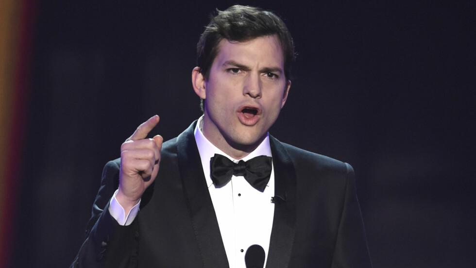 DONALD TRUMPS PRESIDENTORDRE: Ashton Kutcher tok til ordet under årets SAG Awards og uttrykte sitt syn på president Donald Trumps nye presidentordre.  Foto: NTB Scanpix