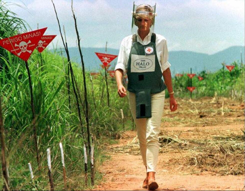 HUMANITÆRT ARBEID: I januar 1997 dro Diana til Angola på arbeid for britiske Røde Kors. Foto: NTB Scanpix