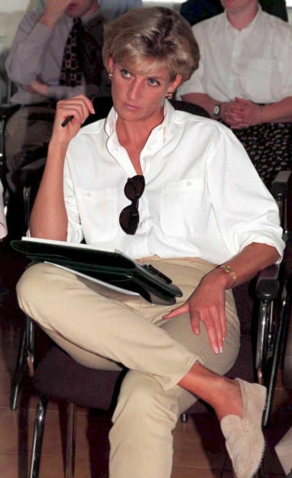 <strong>HJERTESAK:</strong> Humanitært arbeid var én av Dianas mange hjertesaker. Her under en høring angående rydding av landminer Angola i januar 1997. Foto: NTB Scanpix