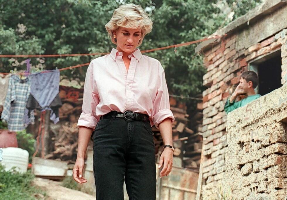 <strong>PÅ TUR:</strong> I august, kort tid før sin død, sto landminer nok en gang på agendaen - og denne gangen dro Diana til Bosnia-Hercegovina med organisasjonen Landmine Survivors Network. Foto: NTB Scanpix