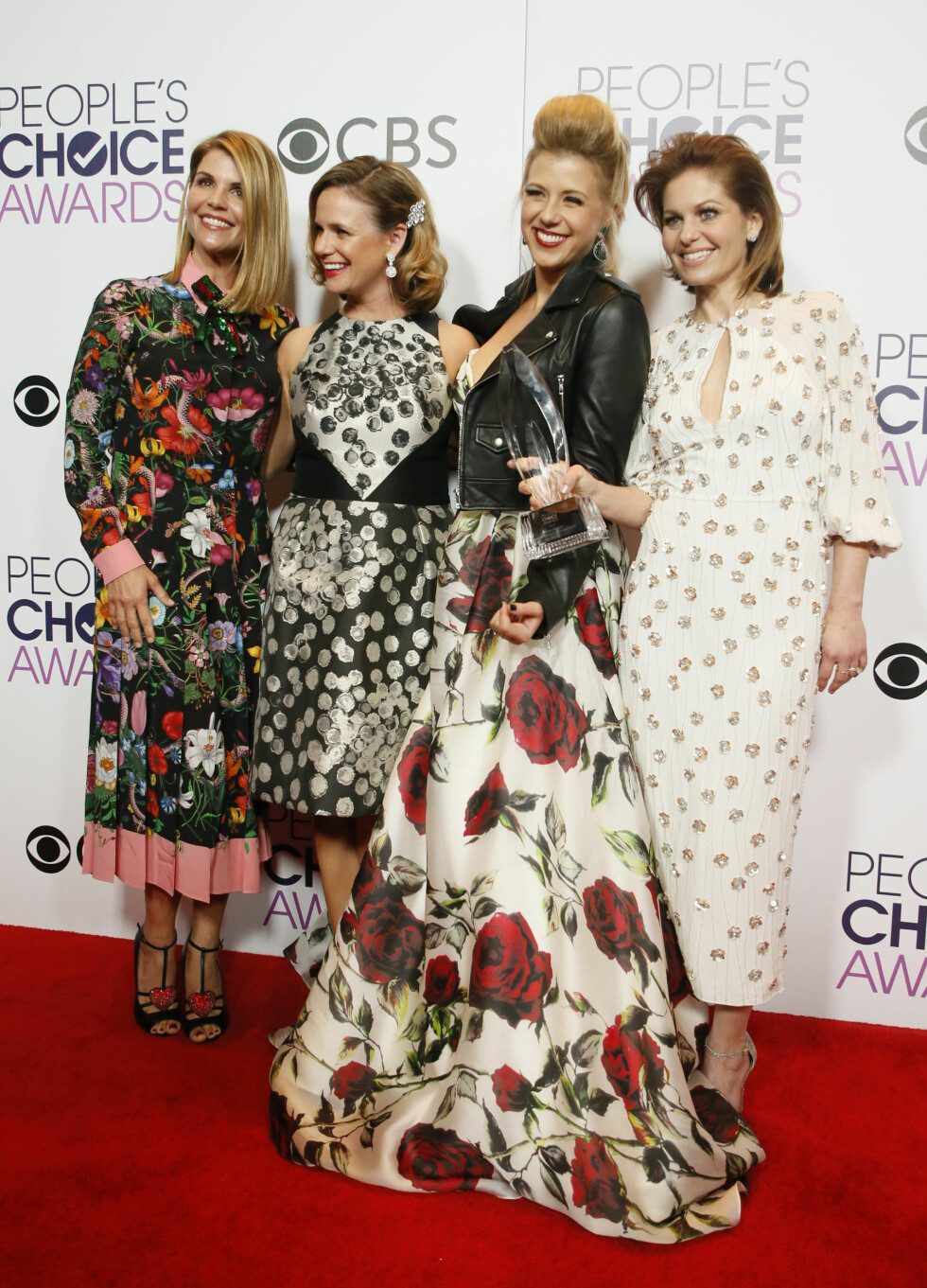 PEOPLE'S CHOICE AWARDS: Lori Laughlin, Andrea Barber, Jodie Sweetin og Candace Cameron Bure. Foto: Reuters