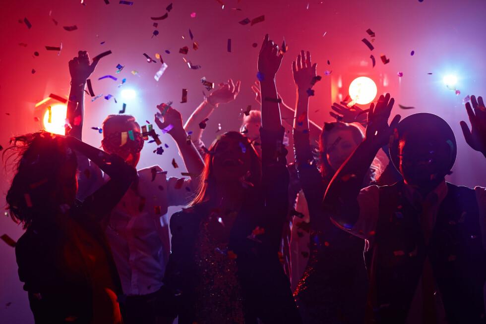 UNGDOM OG ALKOHOL: Slik snakker du med tenåringen om fest og rusmidler.  Foto: Shutterstock / Pressmaster