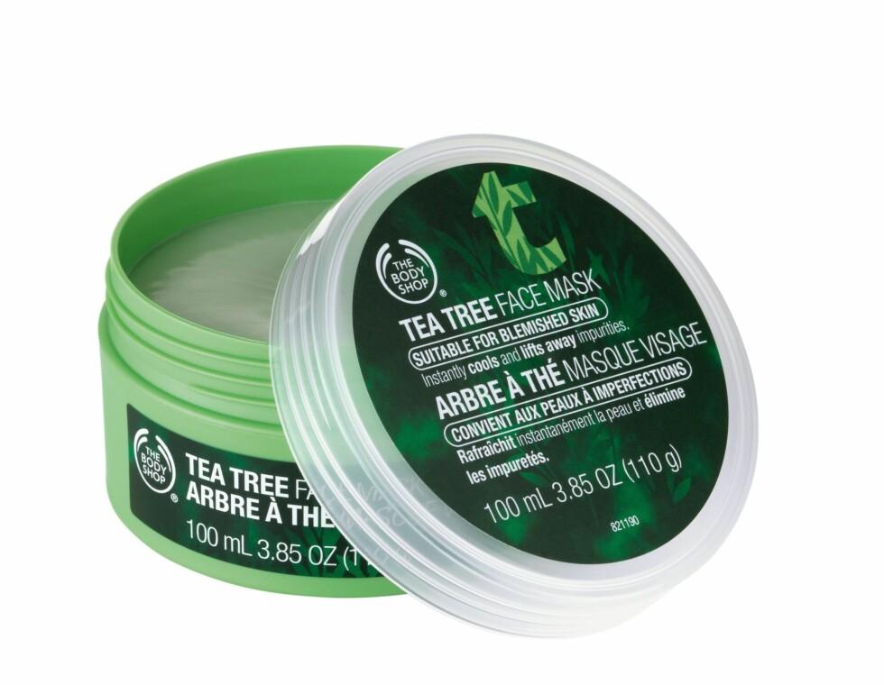Gjør huden helt ren. Tea Tree Face Mask er en maske som skal absorbere olje og rense huden i dybden (kr 119, The Body Shop).