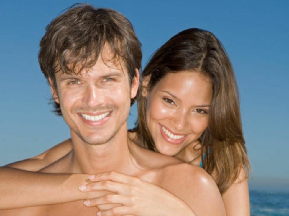 ØKER LYSTEN: Forskere har funnet ut at testosteronet i kroppen øker i takt med mengden D-vitamin vi har i blodet, og litt tid i solen kan gjøre underverker for sexlivet ditt Foto: www.imagesource.com