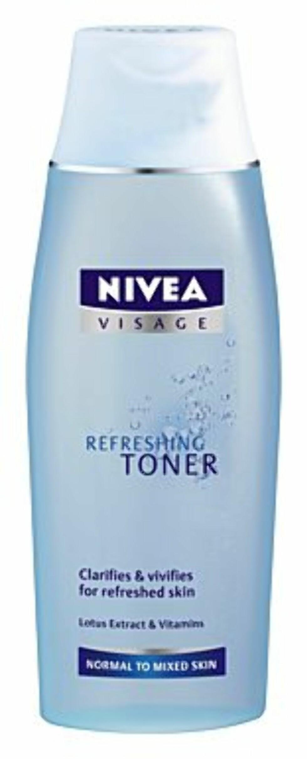Refreshing Toner skal klarne huden på en mild måte. Den er beriktet med lotusekstrakter og vitaminer (kr 60, Nivea).