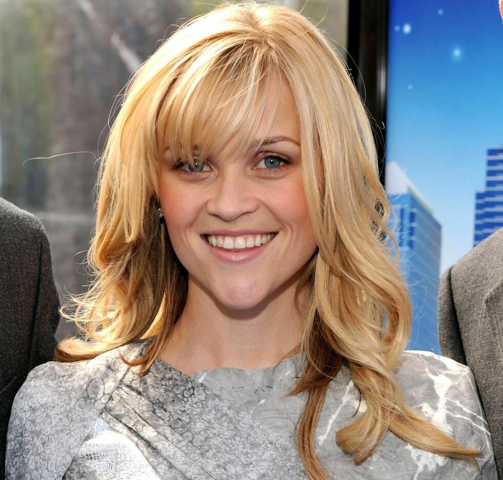 Reese Witherspoon har et typisk hjerteformet ansikt. En oppklippet frisyre med lugg passer fint til denne ansikter med høy panne og markert kjeveparti, siden den vil løsne opp og gjøre uttrykket feminint. Foto: All Over Press