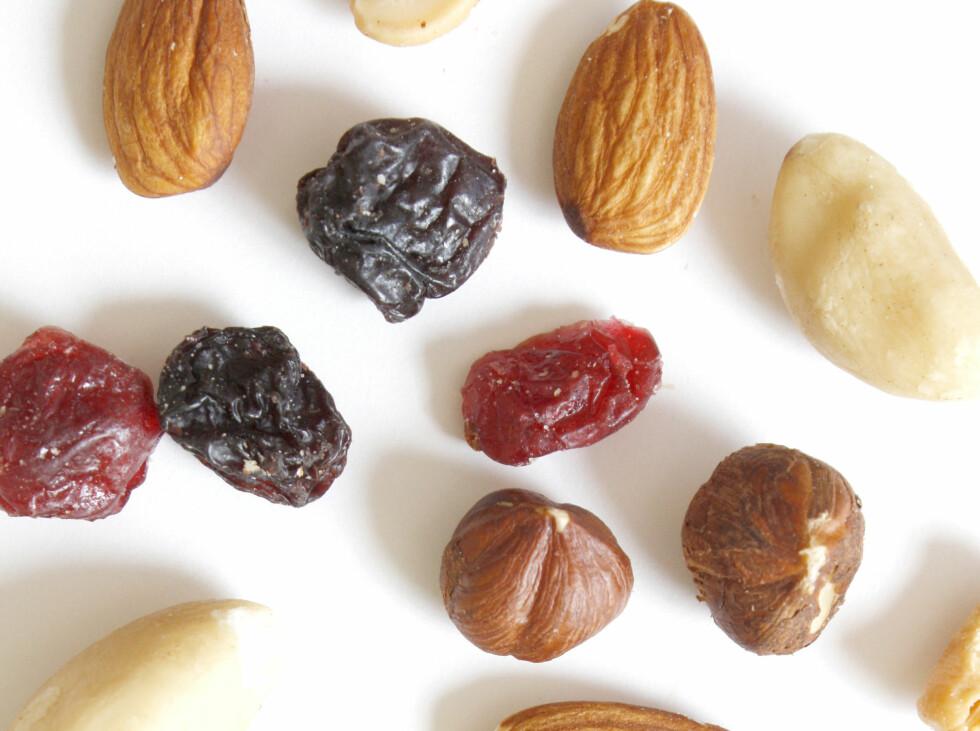 Mennesker som spiser nøtter, spiser mindre alt i alt.
