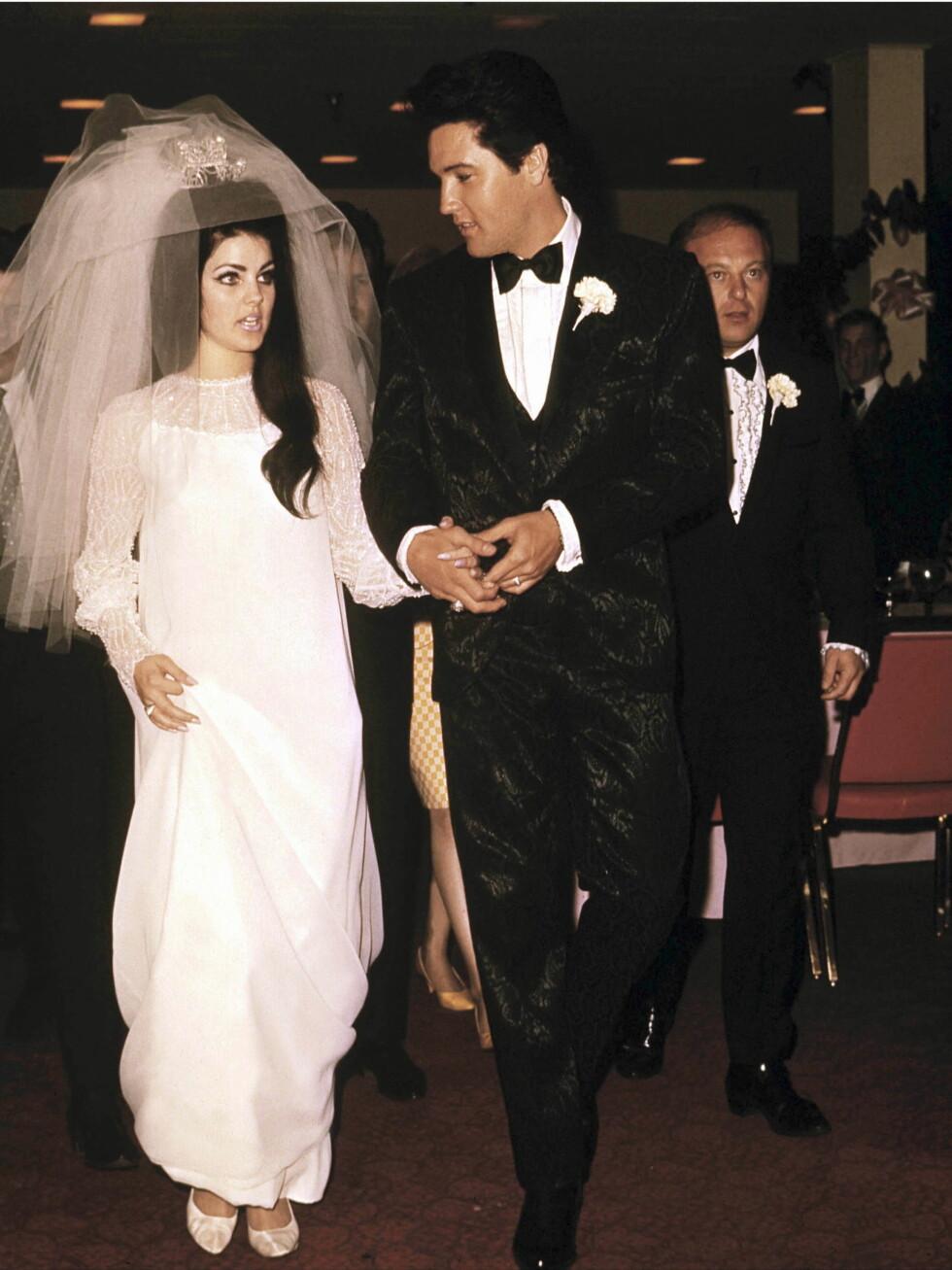 Elvis møtte sin utkårede, Priscilla Beaulieu, i Tyskland da hun bare var 14 år, og altfor ung til å gifte seg. Han ventet på henne, og i 1967 sto bryllupet. Foto: All Over Press