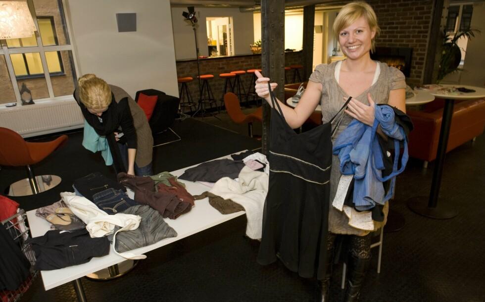 An-Magritt i KK fant seg tre kjoler på byttedagen; deriblant brudekjolen til kollega Linda Stølen.