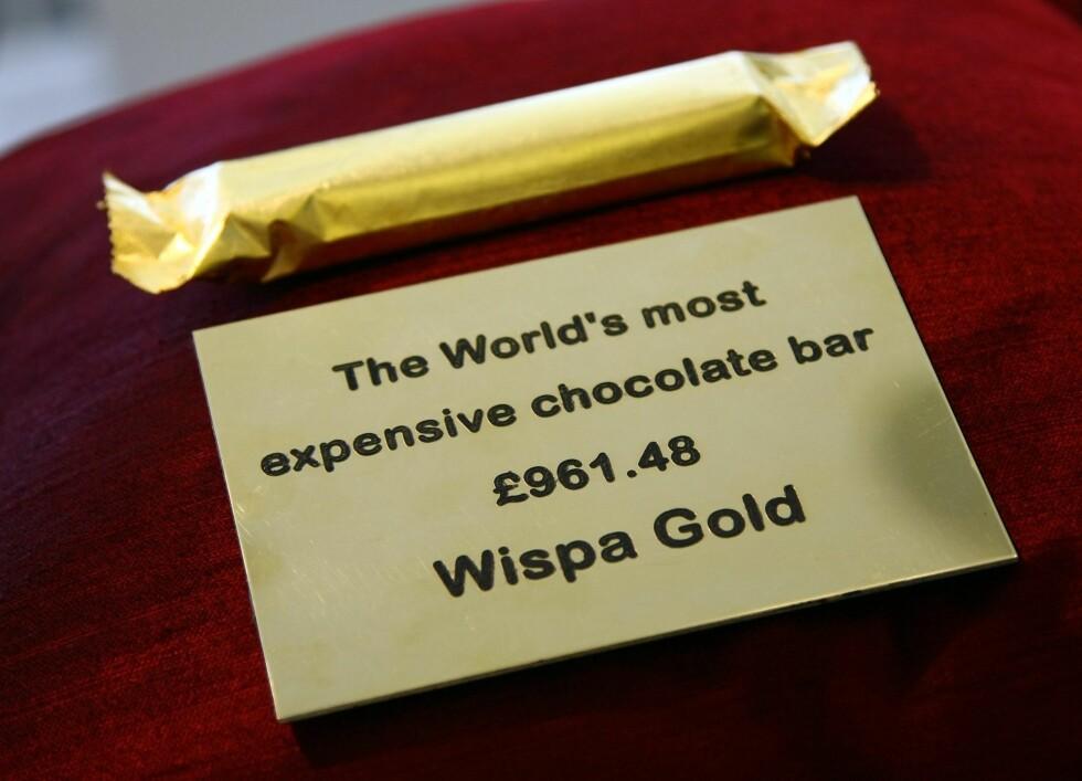<strong>GULL-SJOKOLADEN:</strong> Emballasjen er av gullblad - noe selve sjokoladen også er dekket av. Foto: All Over Press