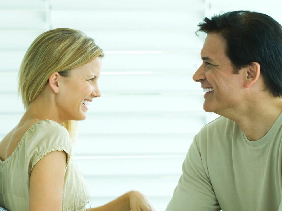 Hvis du er singel bruker du lenger tid på å vurdere om en mann er attraktiv eller ei. Foto: colourbox.com