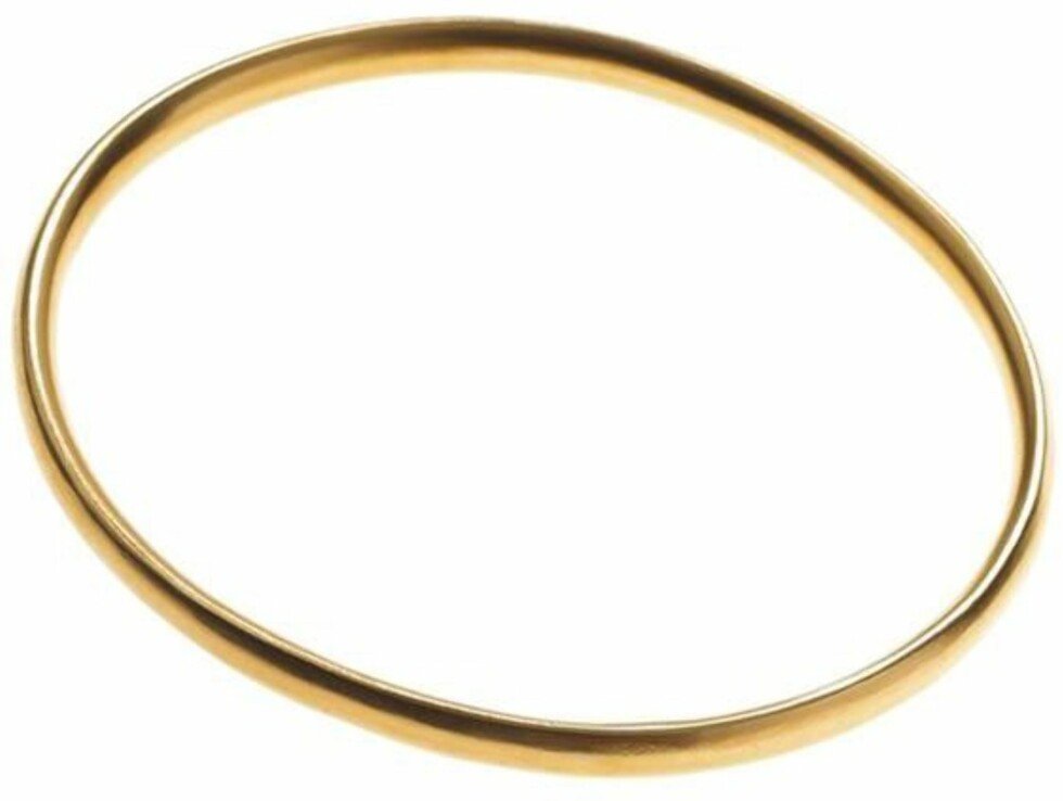 Enkelt tynt gullarmbånd (kr 1000, Julie Sandlau).