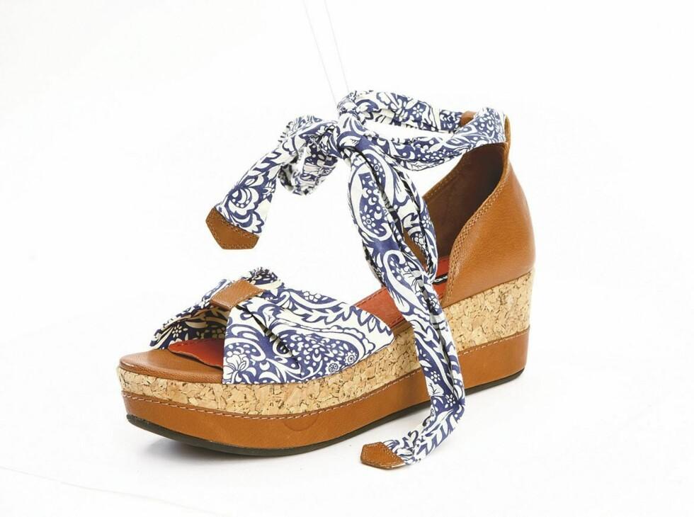 Blomstrete sandal (kr 350, Euro Sko).