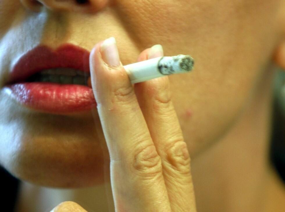 <strong>SKILSMISSERISIKO:</strong> Hvis begge parter røyker, er skilsmisserisikoen på 19 prosent. Tror du tobakk kan påvirke forholdet? Foto: Colourbox