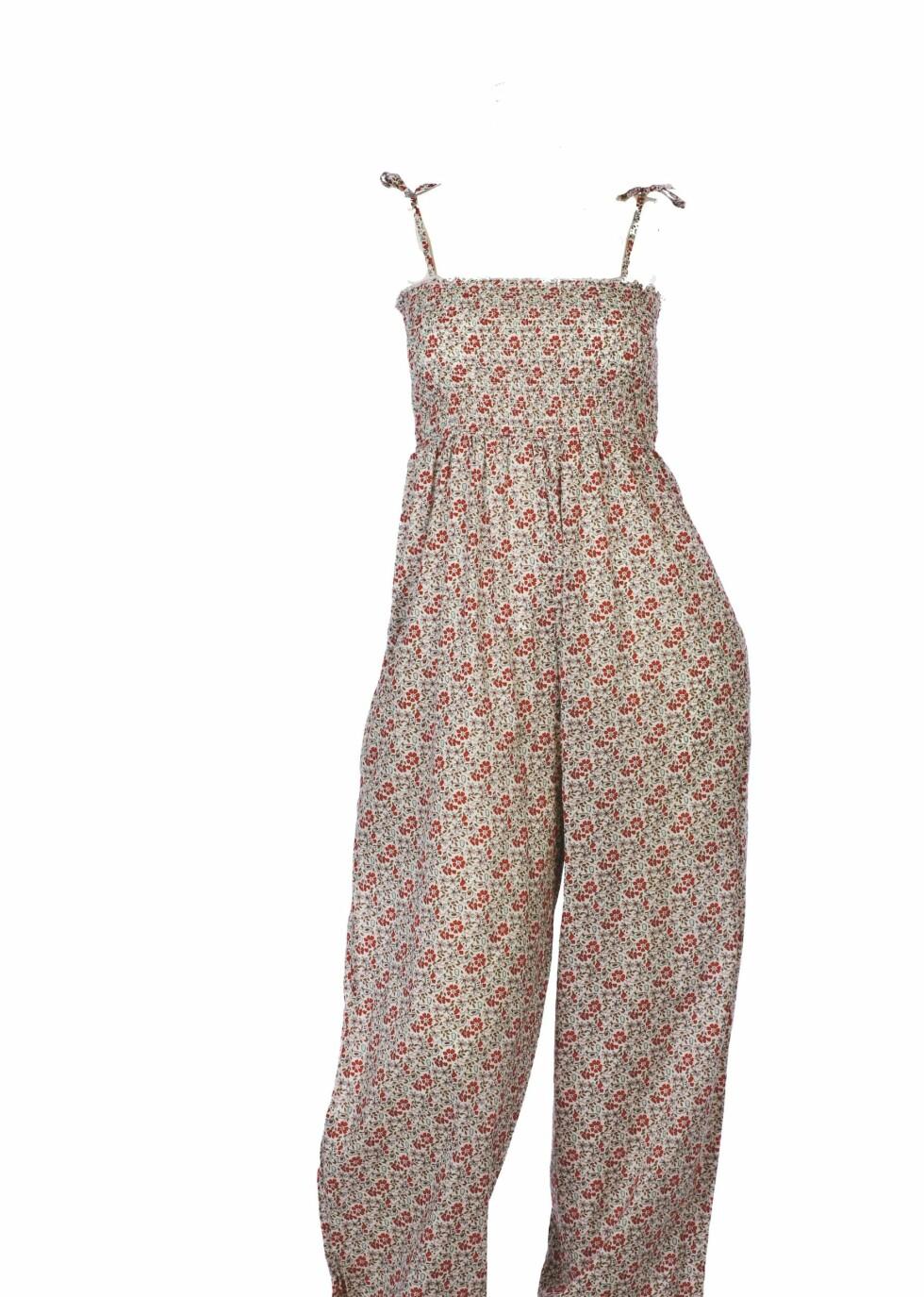 Blomstrete buksedress i bomull med vaffelmønster (kr 400, Lene V).