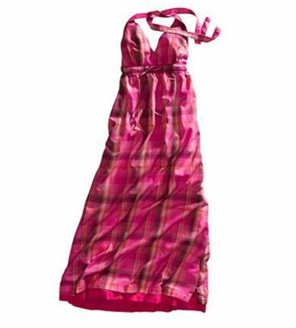 <strong>ROSA RUTER:</strong> Søt lang kjole med knyting (kr 300, H&M).