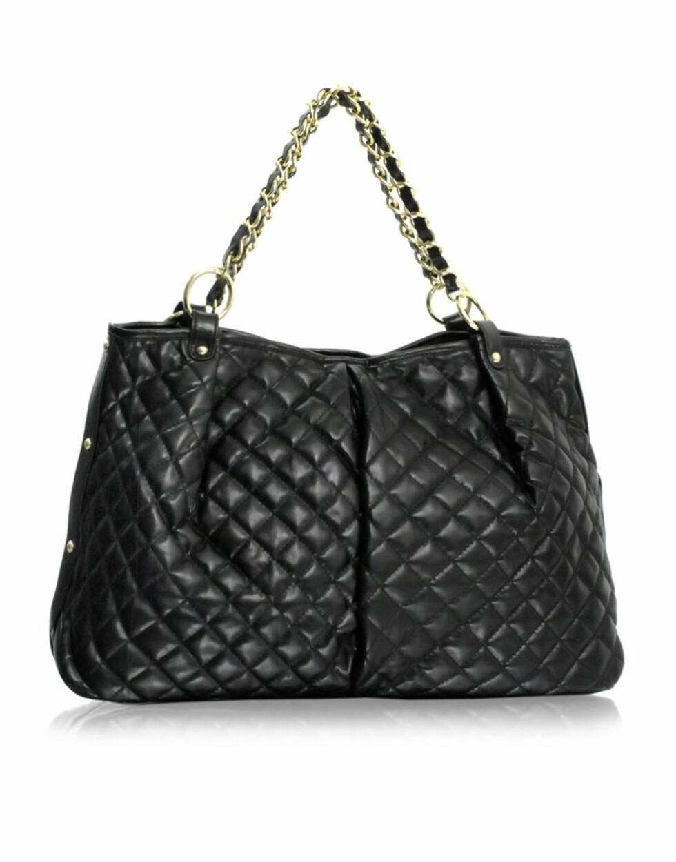 Bobleveske i Chanel-stil (kr 360, Asos.com).