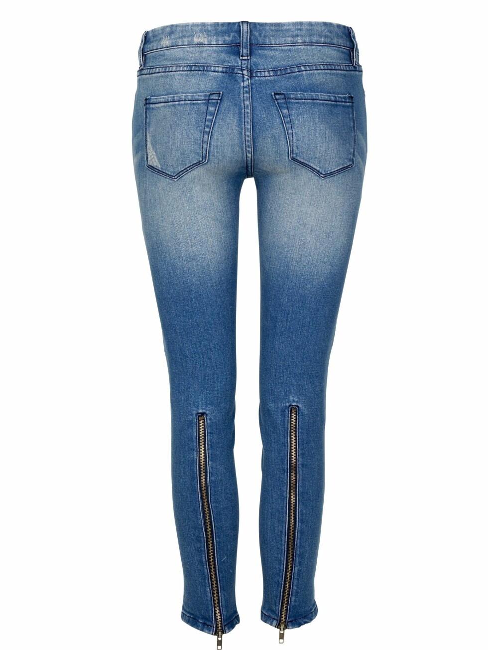 MED GLIDELÅS: Smale skinny jeans i rocka stil (kr 500, Cubus).