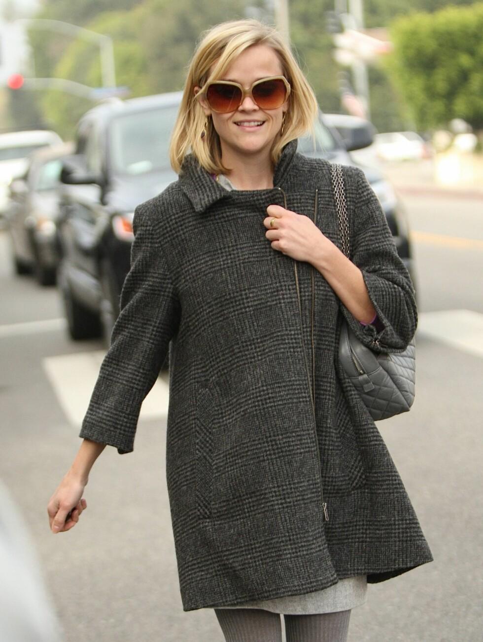 Reese Witherspoon synes at et måltid med voksenmat om dagen får holde. Ellers holder hun seg slank ved å spise babymat fra glass.    Foto: All Over Press
