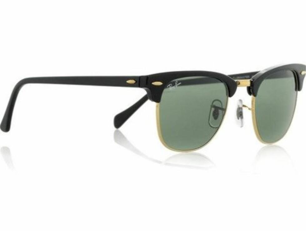 FORNYET KLASSIKER: En av vårens store solbrilleslagere er Ray Bans clubmaster-modell, som var så hipp på 1950-tallet (kr 1250, Ray Ban).