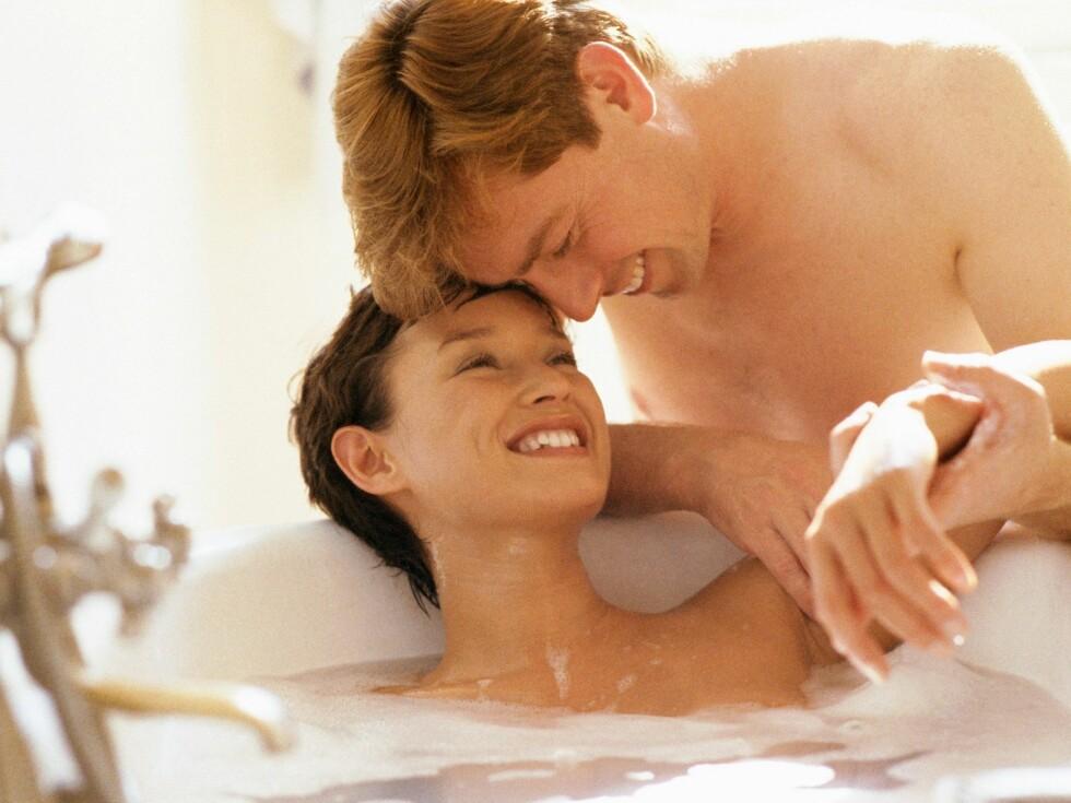 Ligg i badekaret når han kommer hjem, det innbyr til romantikk midt i uka.. Foto: colourbox.com