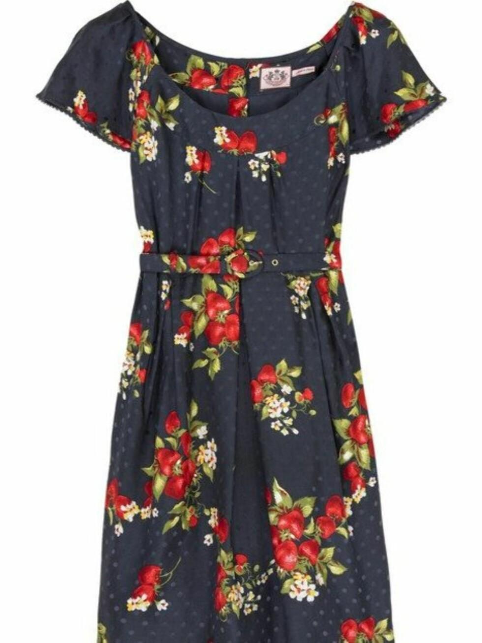 I 50-TALLSSTIL: Kjole som er nydelig til deg med litt former (kr 2800, Juicy Couture/Netaporter.com).