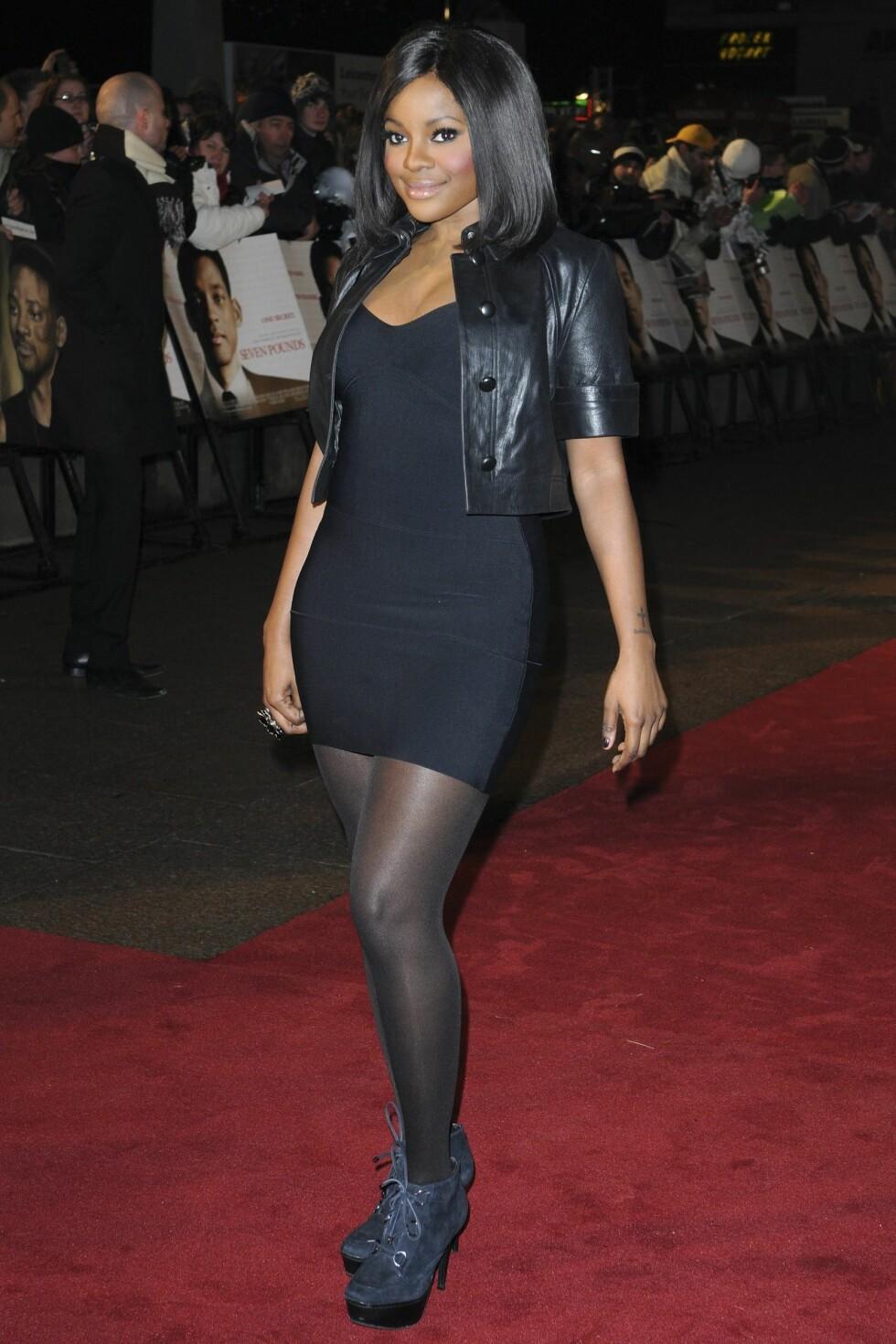 SUGABABE: Det var ikke mange smykker i sikte da Keisha Buchanan entret den røde løper.  Foto: All Over Press