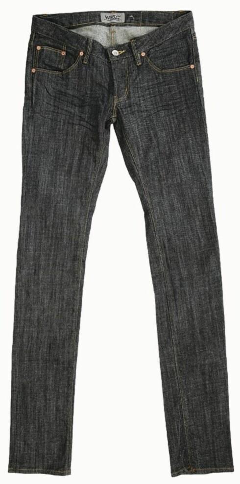 <strong>OLABUKSEN:</strong> Ingen over, ingen ved siden - jeans er det ultimate plagget hver eneste sesong - her i komfortabelt stretchmateriale, som er fint til deg med timeglassfigur (kr 900, Wesc).