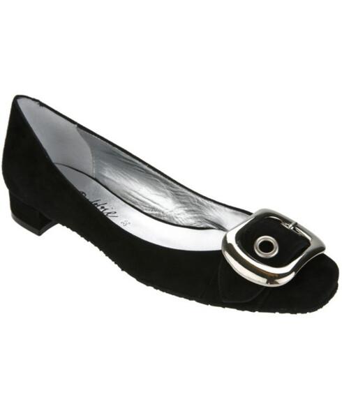 <strong>BALLERINASKOENE:</strong> Søte små sko som alltid snupper opp et antrekk (kr 100, H&M).
