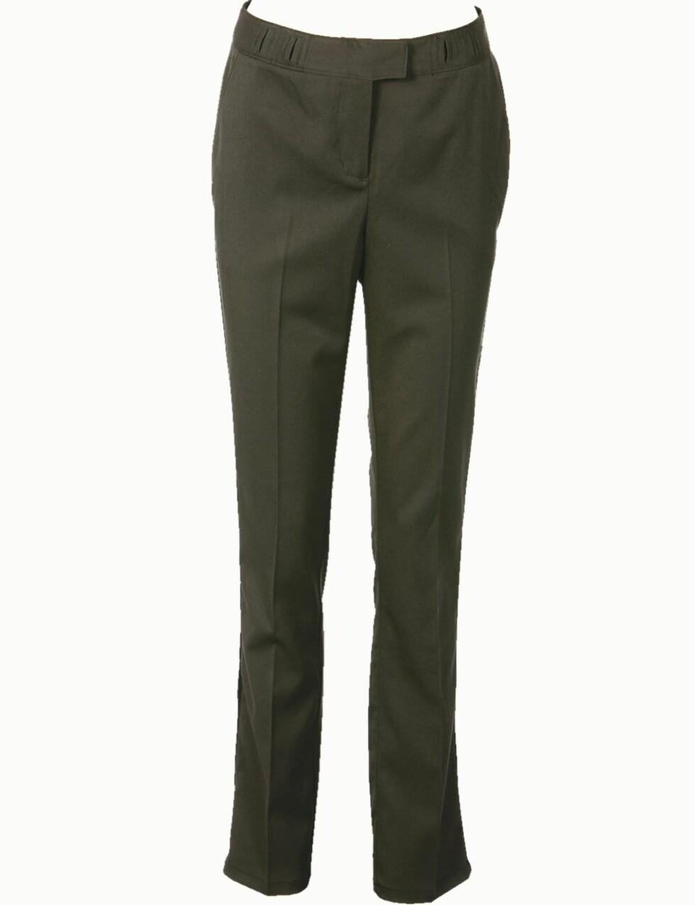 <strong>FIN FOR STORE HOFTER:</strong> Dressbukse i elastisk stoff med god plass til hofter, rumpe og knær (kr 800, Dream by Isabell Kristensen).