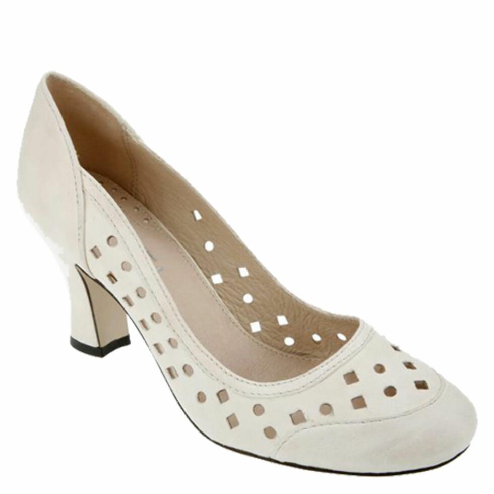 HverdagsvalgetMed et par pene og enkle sko med halvhøy, praktisk hæl har du alltid noe å ha på deg, enten du skal på jobbintervju, reise eller bytur (kr 199, Biviel).