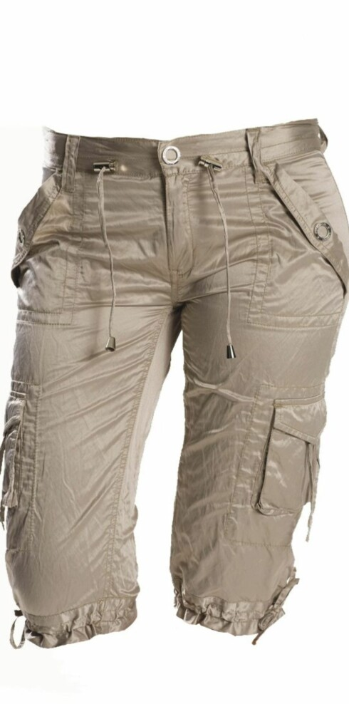 Sporty og ledig i bomull/polyester (kr 900, Pepe Jeans).