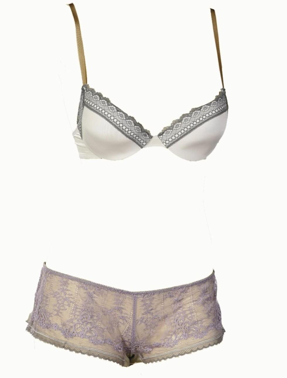 <strong>SEXY MIKS:</strong> Hvit og grå bh (kr 500, Calvin Klein) og lilla og grå truse (kr 450, Princesse Tam Tam/Lingerie Lounge).
