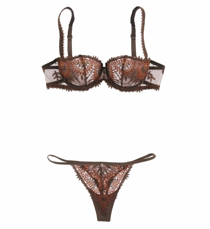 I JORDFARGER: Brunt og rødt blondesett (bh kr 820, stringtruse kr 380, Chantelle).