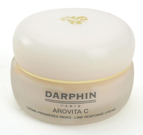 Fuktighetskrem med c-vitaminer for glød og fukt. Darphin Arovita C Line Response Cream (kr 655/50 ml).