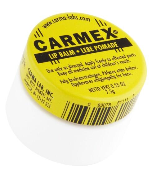 Klassisk leppepomade fra Carmex. Skal være ekstra god for å få kysseklare og myke lepper (kr 45, Midelfart).