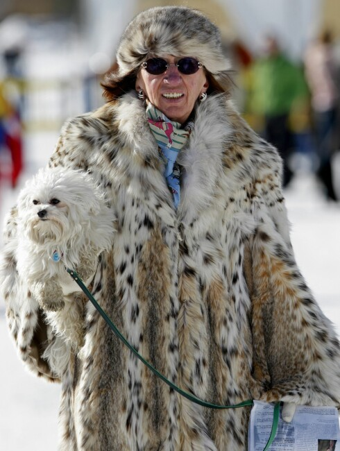 I pels fra topp til tå i noe vi håper er fredet for lengst.