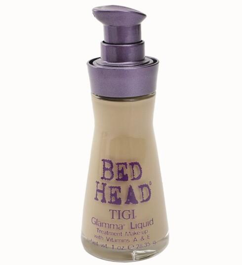 Tigi Bed Head Glamma Liquid foundation skal hindre fuktighetstap fra huden, og inneholder beskyttende E-vitaminer (kr 285).