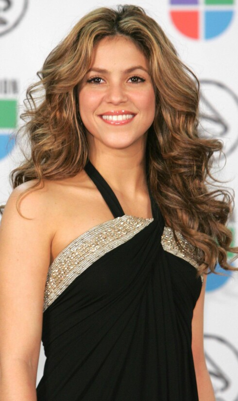 Latino-artisten Shakira går for en naturlig look.