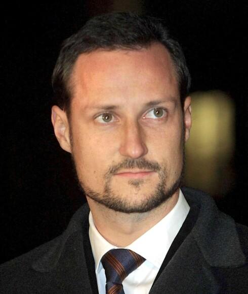 Kronprins Haakon deltar i Leger Uten Grensers arrangement i operaen.