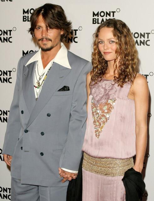 Johnny er lykkelig sammen med kona Vanessa Paradis. De to har en datter og en sønn sammen.